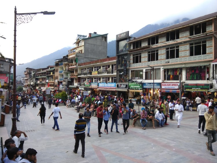 Manali Mall Road.jpg